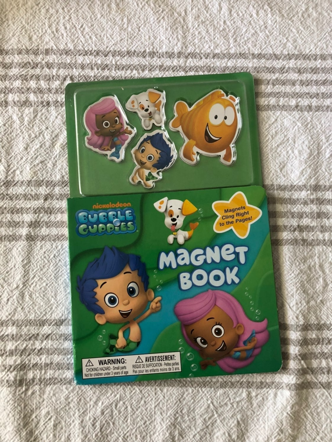 Bubble Guppies Magnet Book