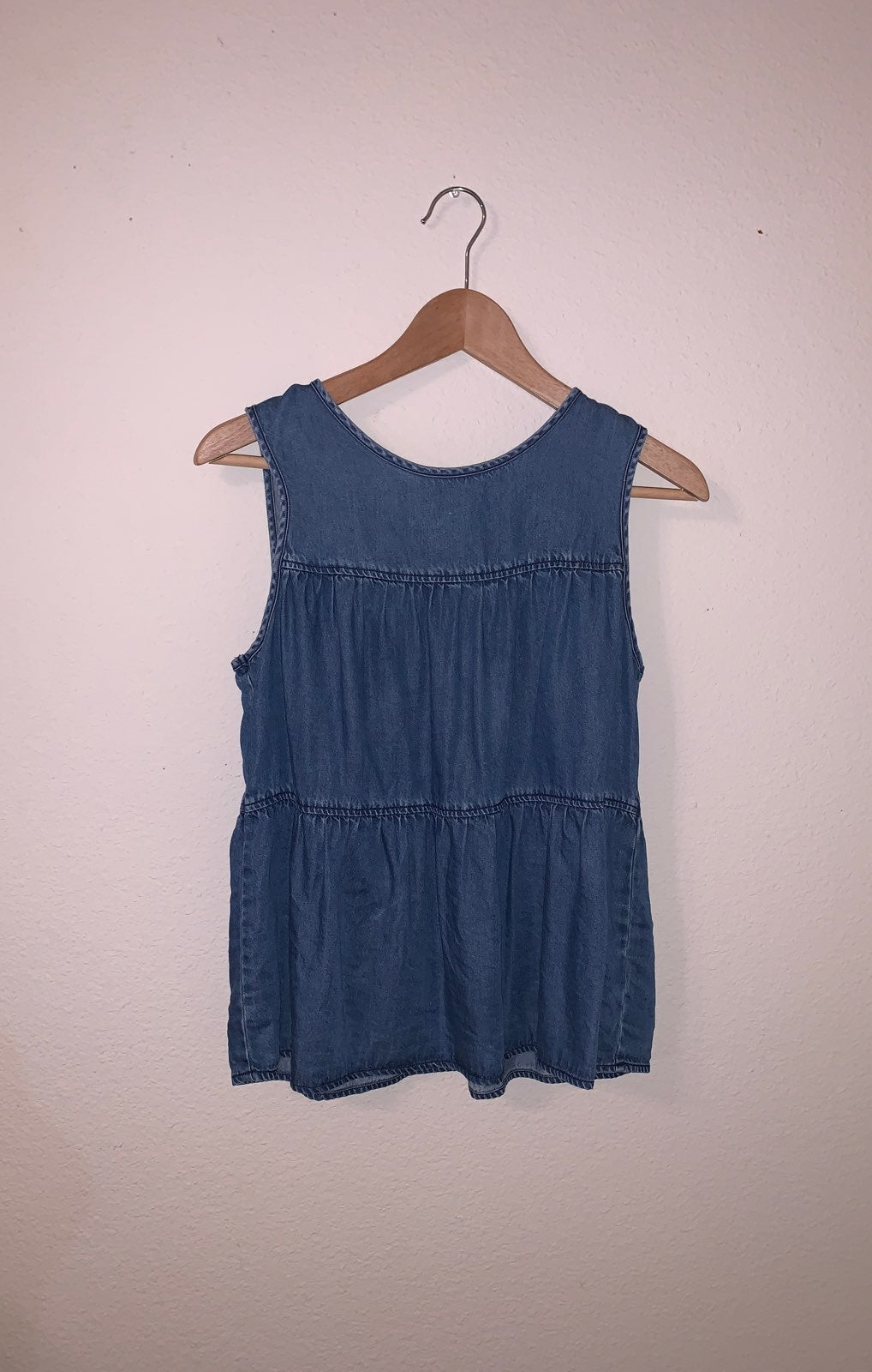 Universal Thread Top size Small