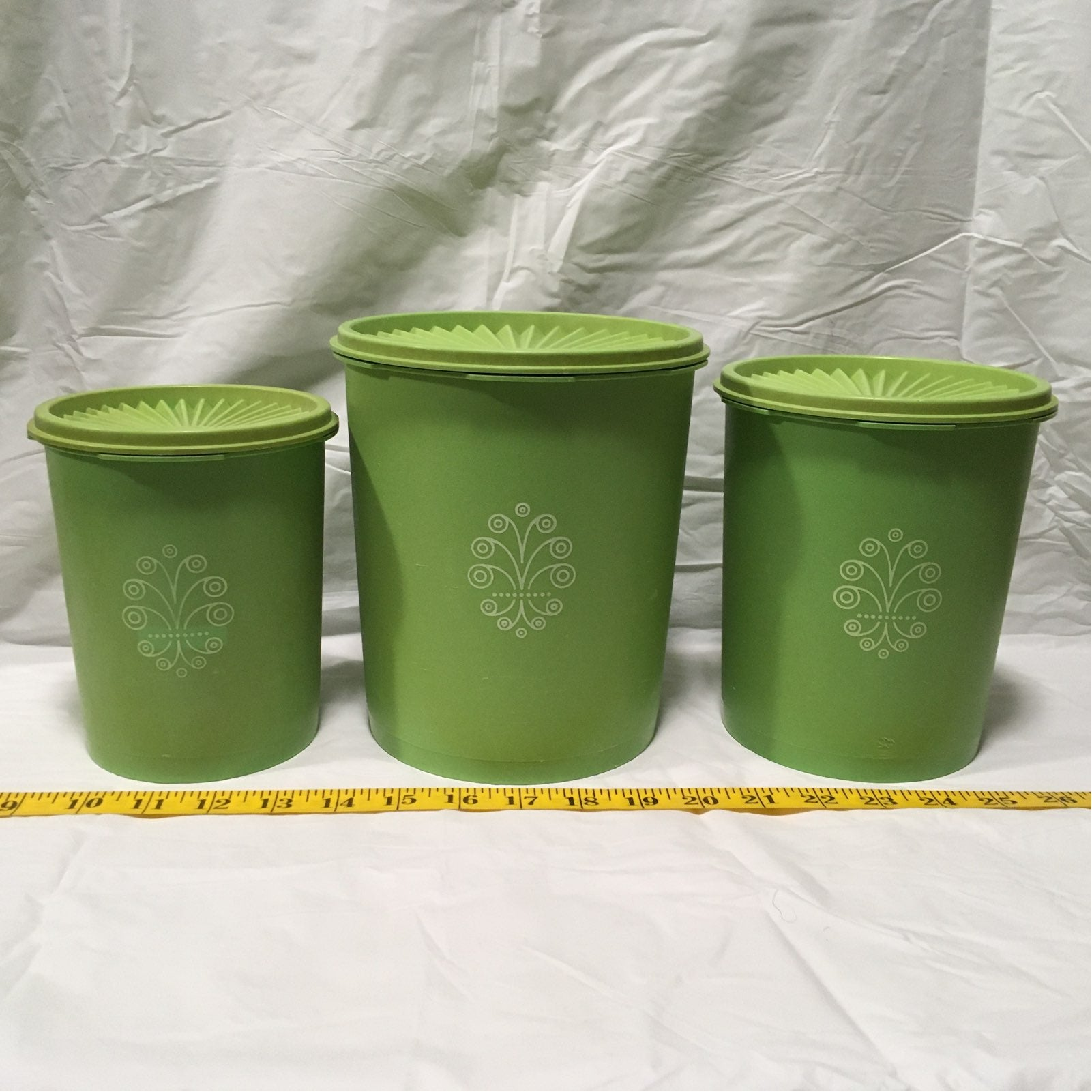 Set/3 Tupperware Round Canisters (Green)