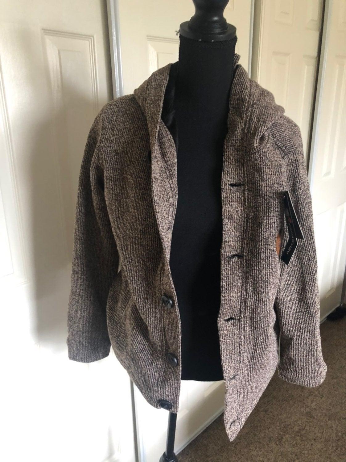 Warm loose men's sweater/jacket!