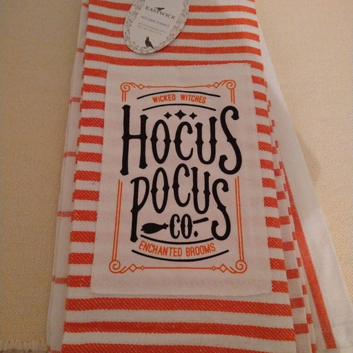 Adorable 4 pack Halloween dish towels