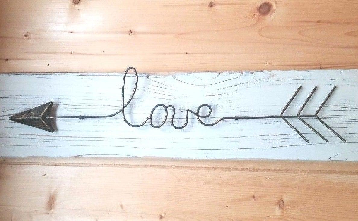 Rustic Wooden Farmhouse LOVE Decor