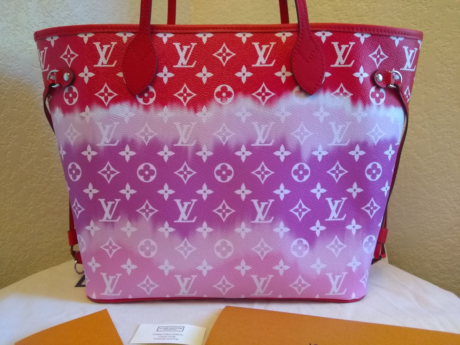 Louis Vuitton neverfull Escale