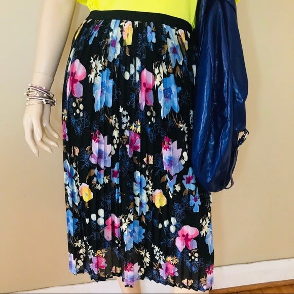 Ava & Viv Pleated Floral Midi Skirt Size