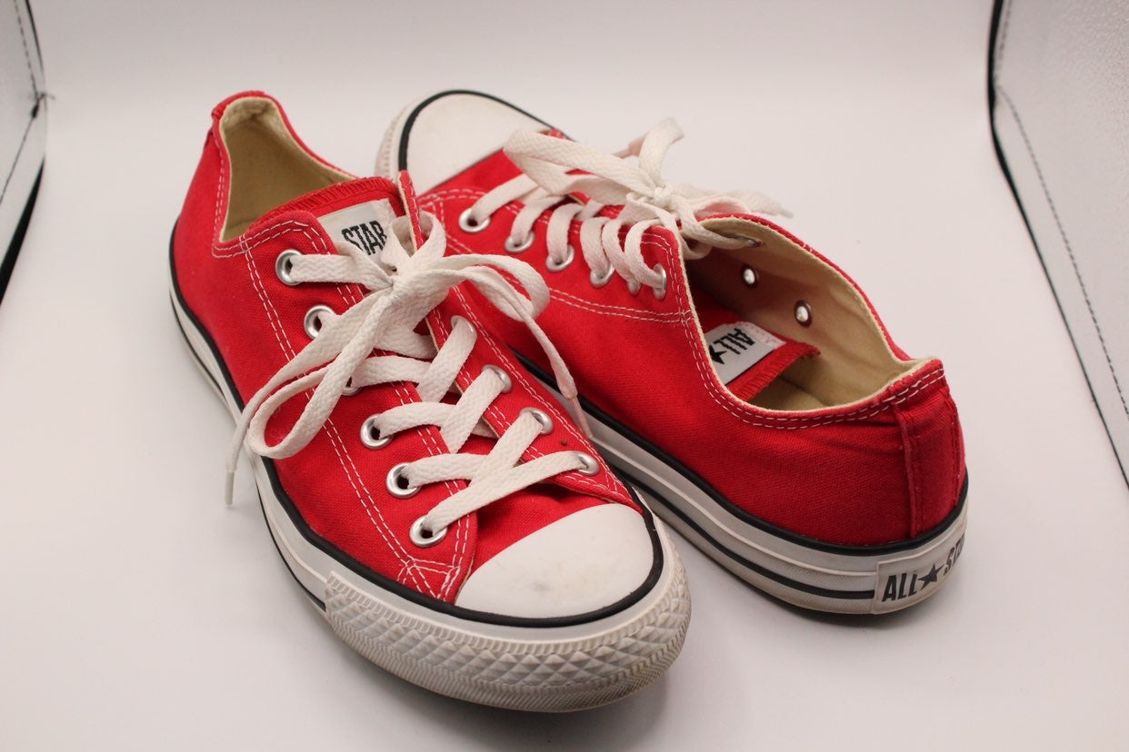 Converse Red Lowtop Chucks