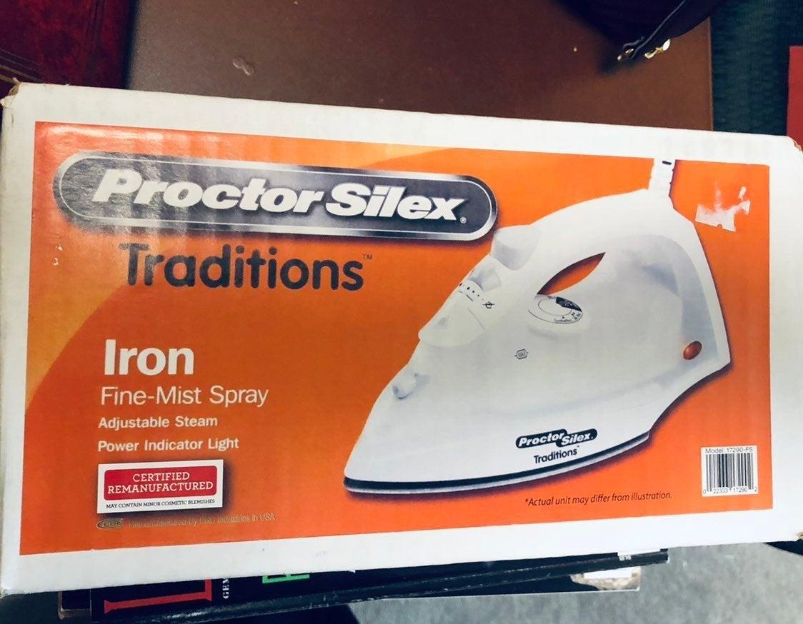Proctor Silex steam iron - NEW