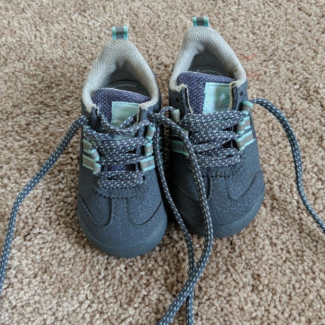 Baby Boys Adidas Samoa Shoes sz 4