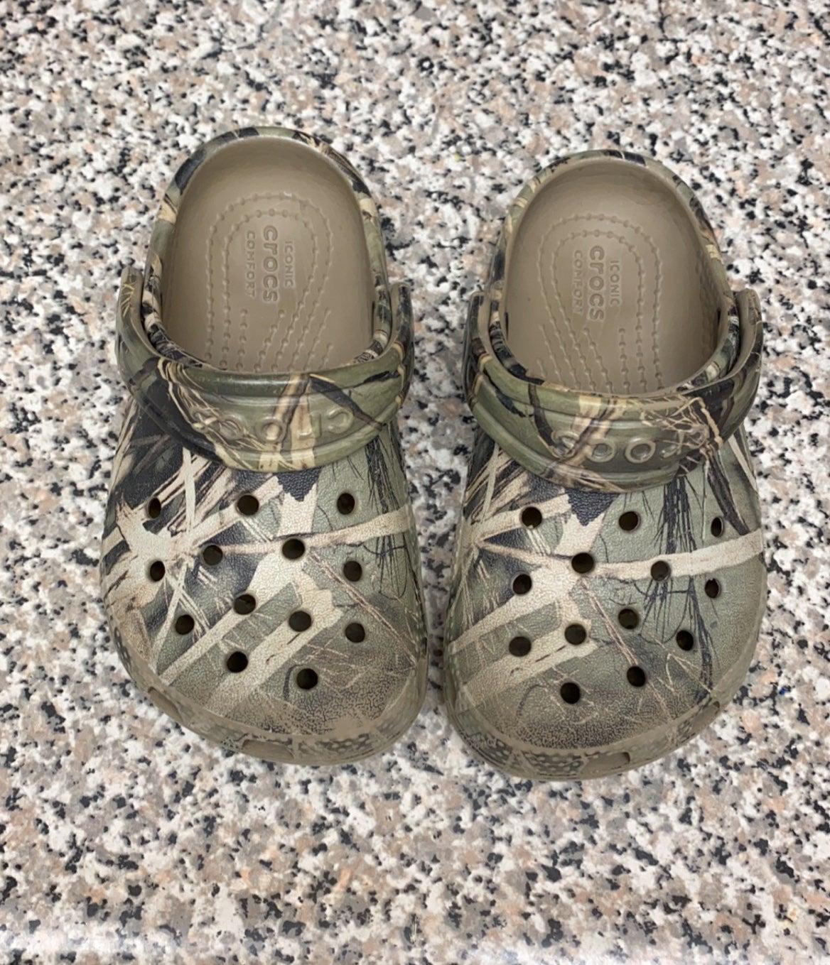 Camo Crocs size C7