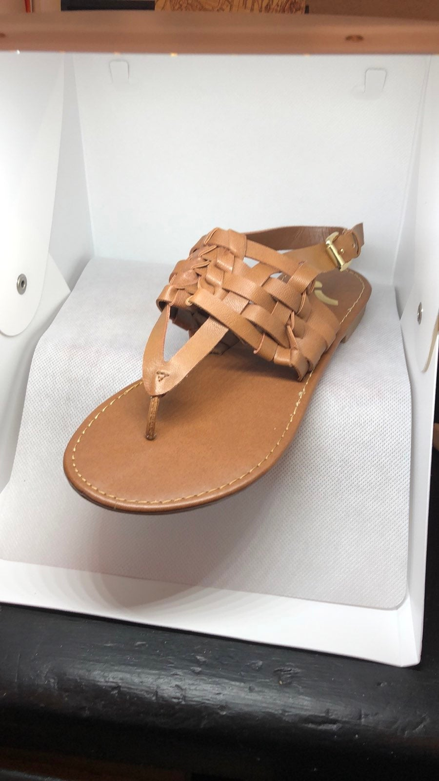 Report brown sandal size 5.5