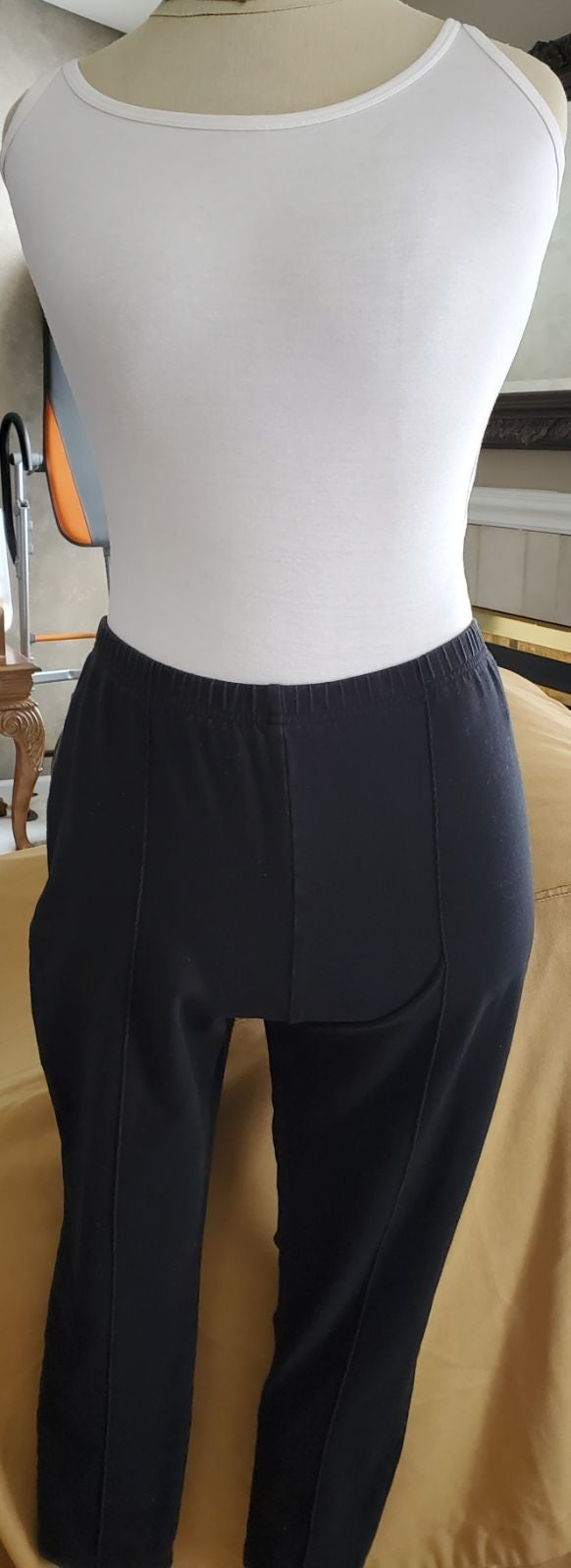 Women With Control‼️ Capri pants, MP