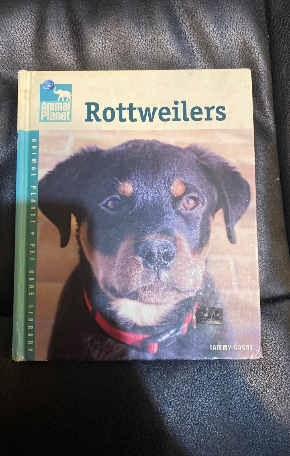 Animal Planet Rottweilers Book
