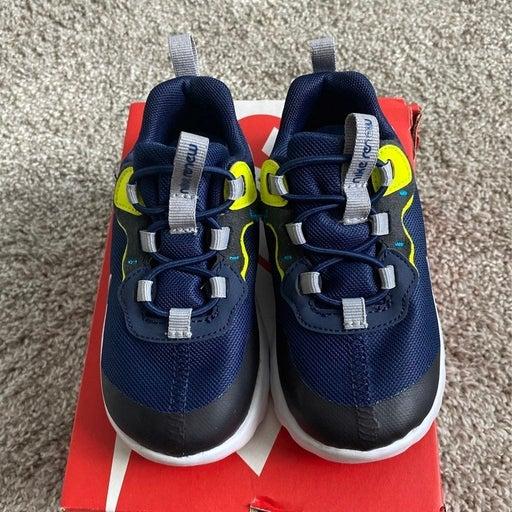 Nike Renew Element 55 toddler sneakers