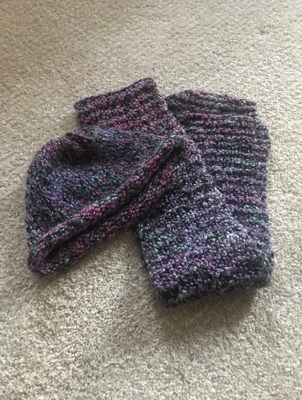 Handknit hat and scarf
