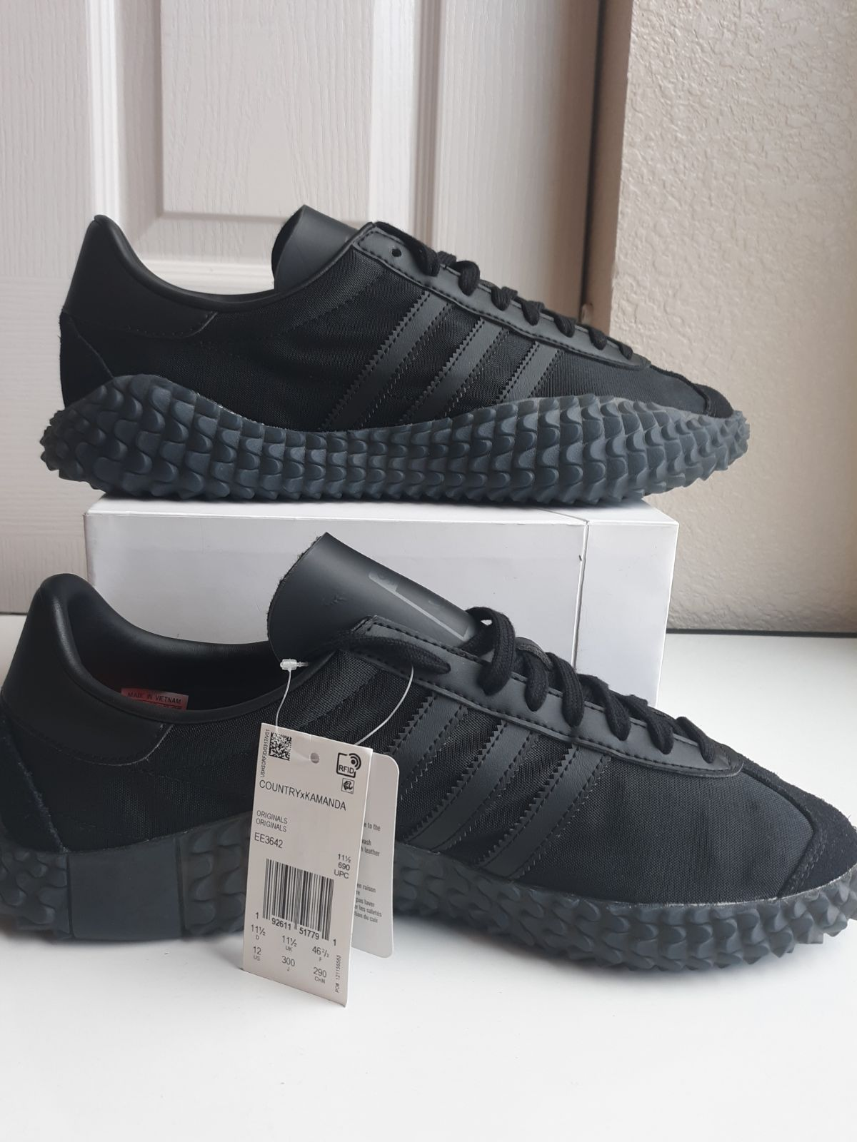 "Adidas Country X Kamanda Size 12 ""Never"