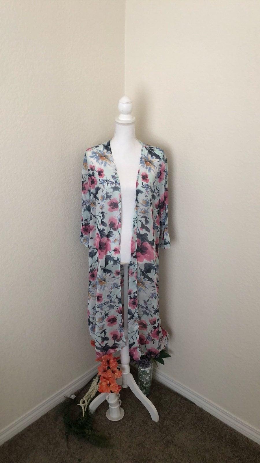 Jessy B Floral Kimono L NWOT