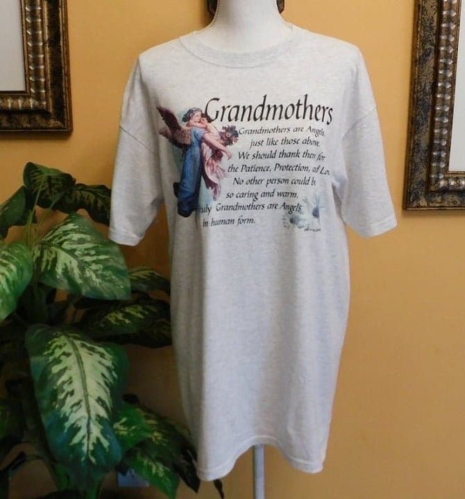 """""""Grandmothers Are Angel"""" T-Shirt"""