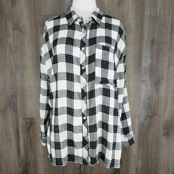 POL Oversized Plaid Boyfriend Top