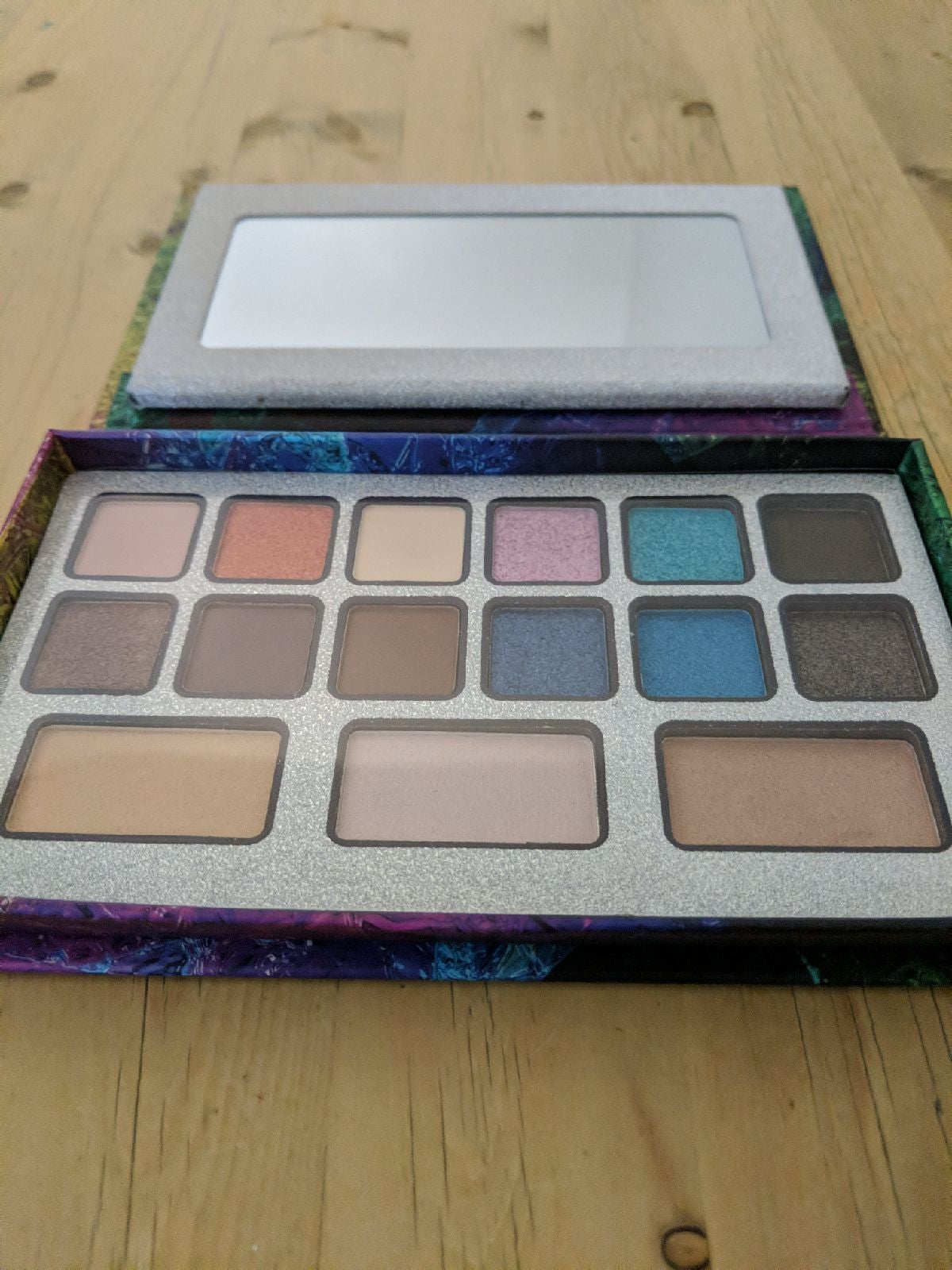 Color Decoder Eyeshadow Palette