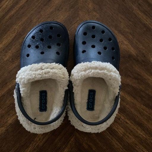 Crocs size 10