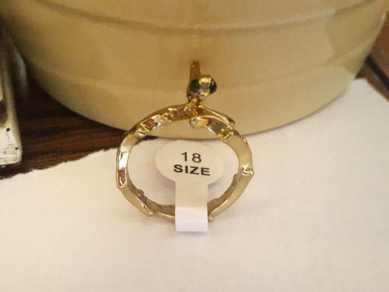 Birdie gold ring