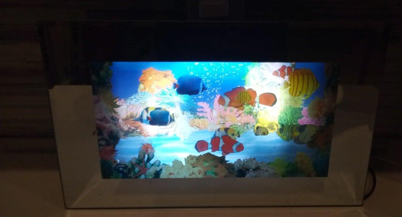 Moving virtual fish aquarium 16x12 inch