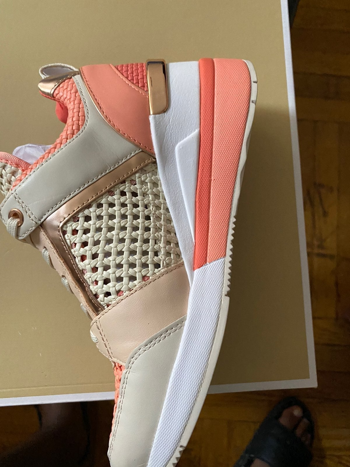 Woman wedge sneaker