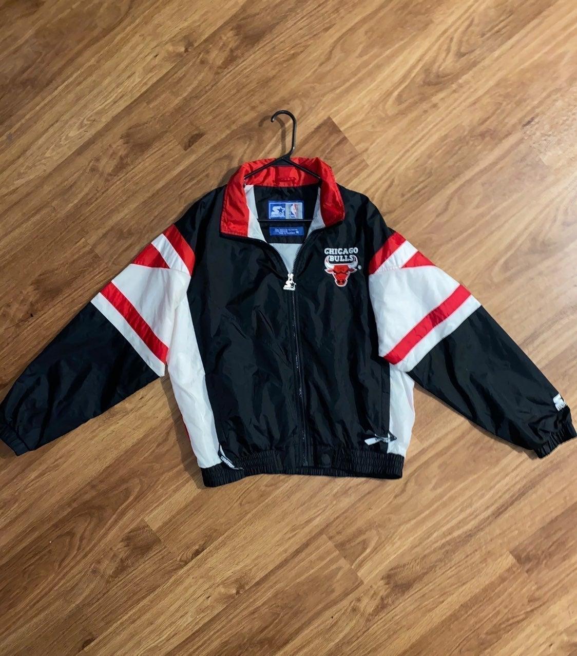 Chicago Bulls Vintage Starter jacket!!