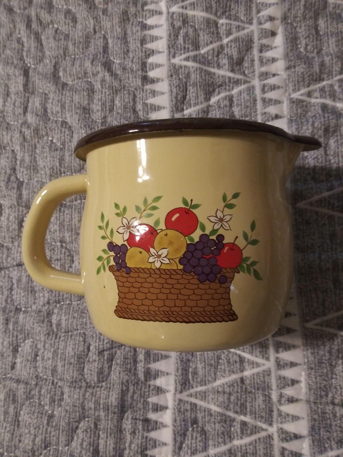 1986 metal cup