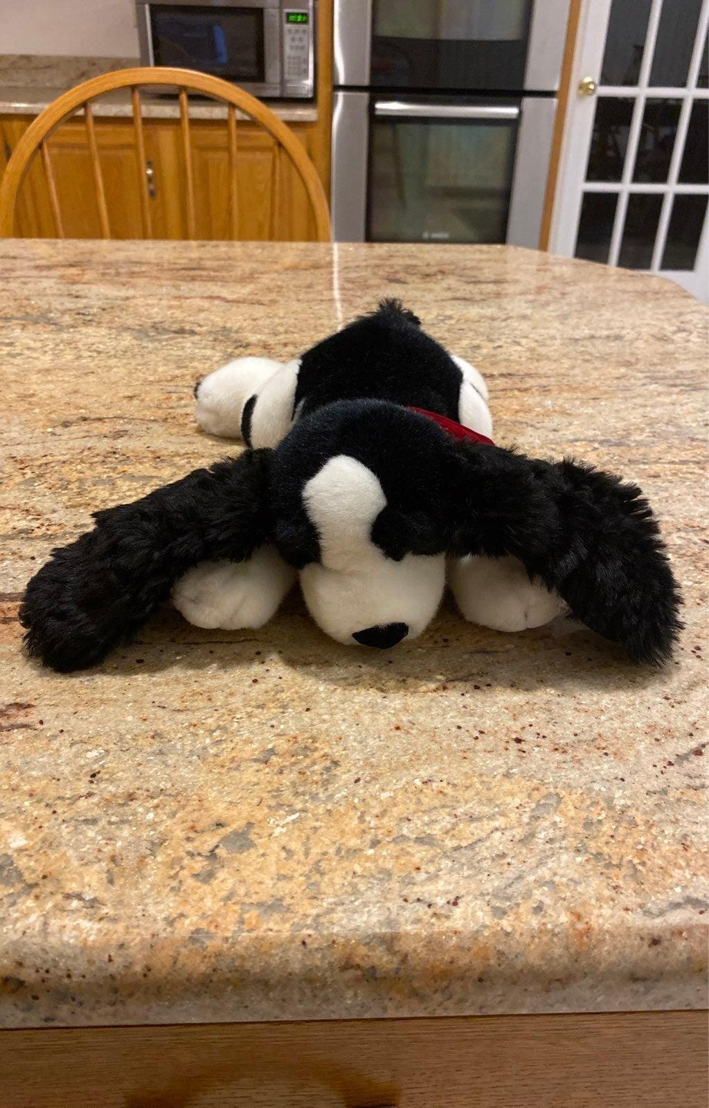 Russ Berrie & Co - Huntly dog plush
