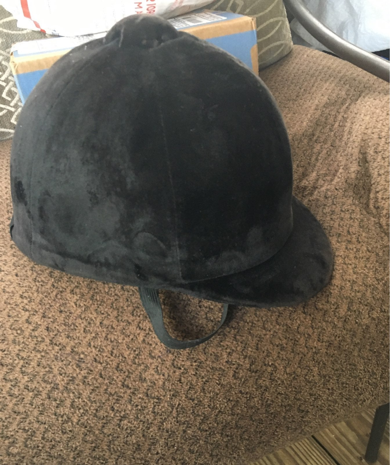 Horse riding hat size 7/57