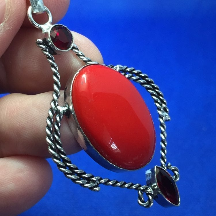 Red coral (2009) pendant!