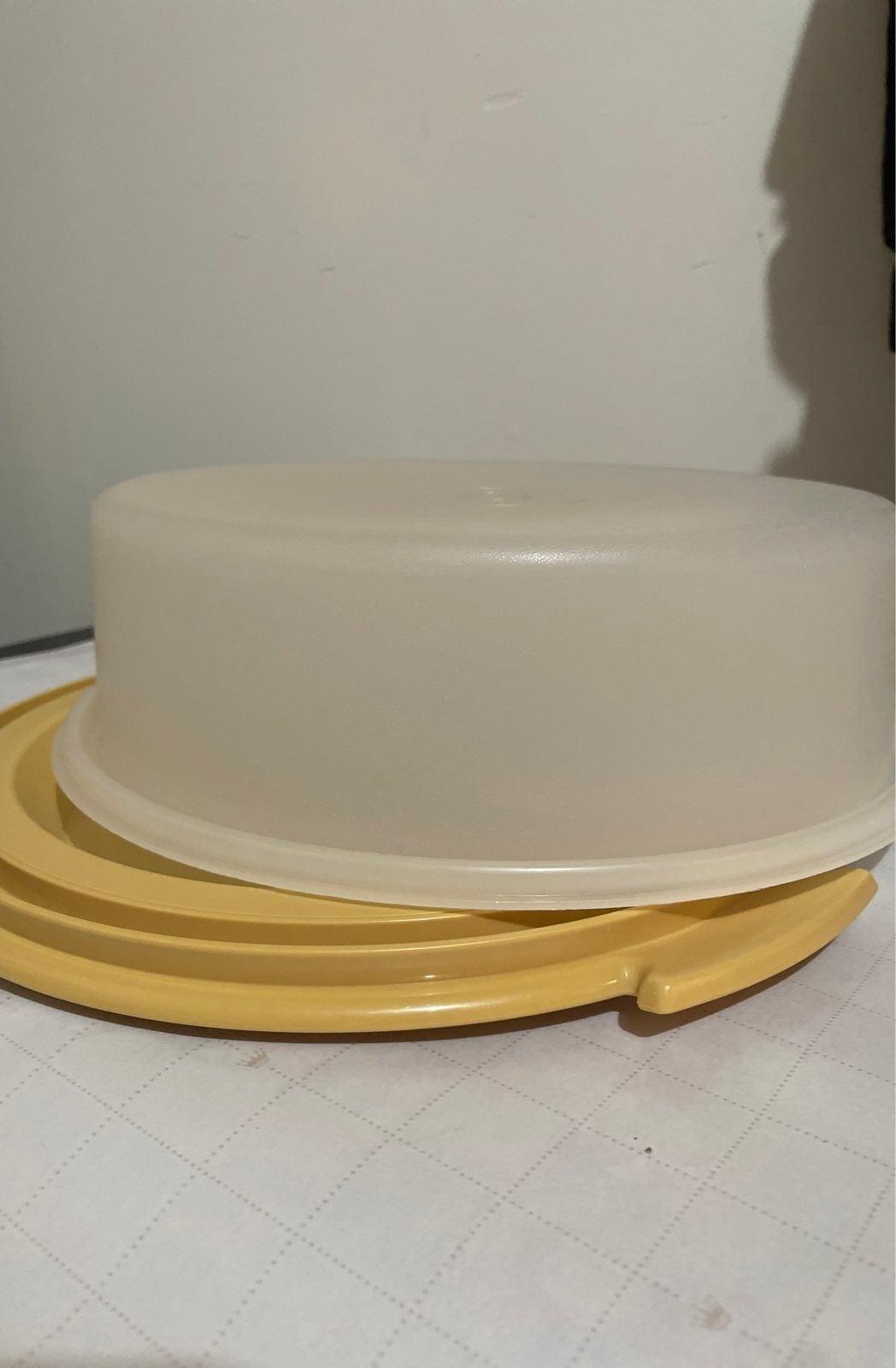 Vintage Tupperware Cake Taker #720-5