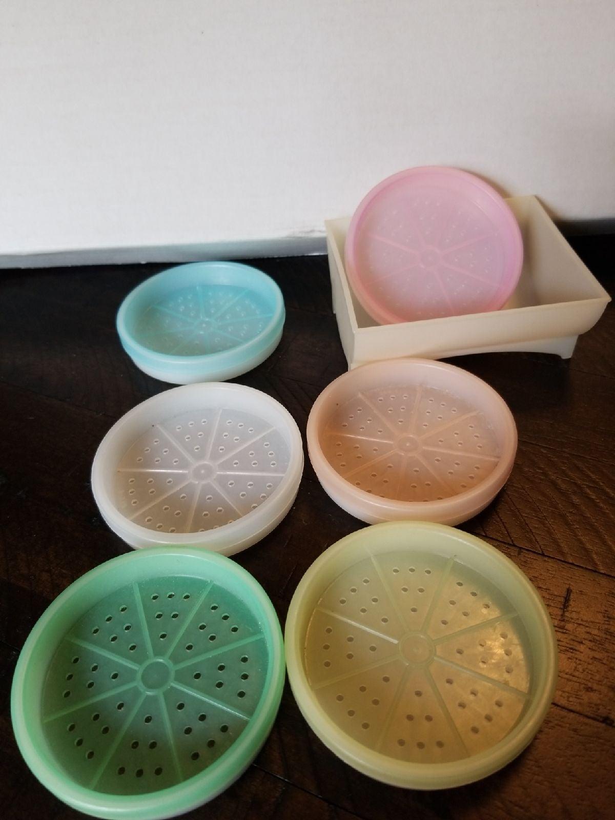 Vintage Tupperware Pastel Wagon Wheel Co