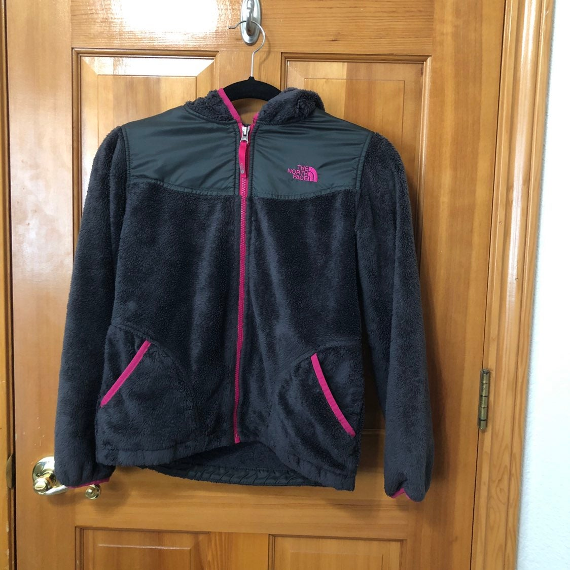 North Face Girl's Grey Fuzzy Jacket Sz L