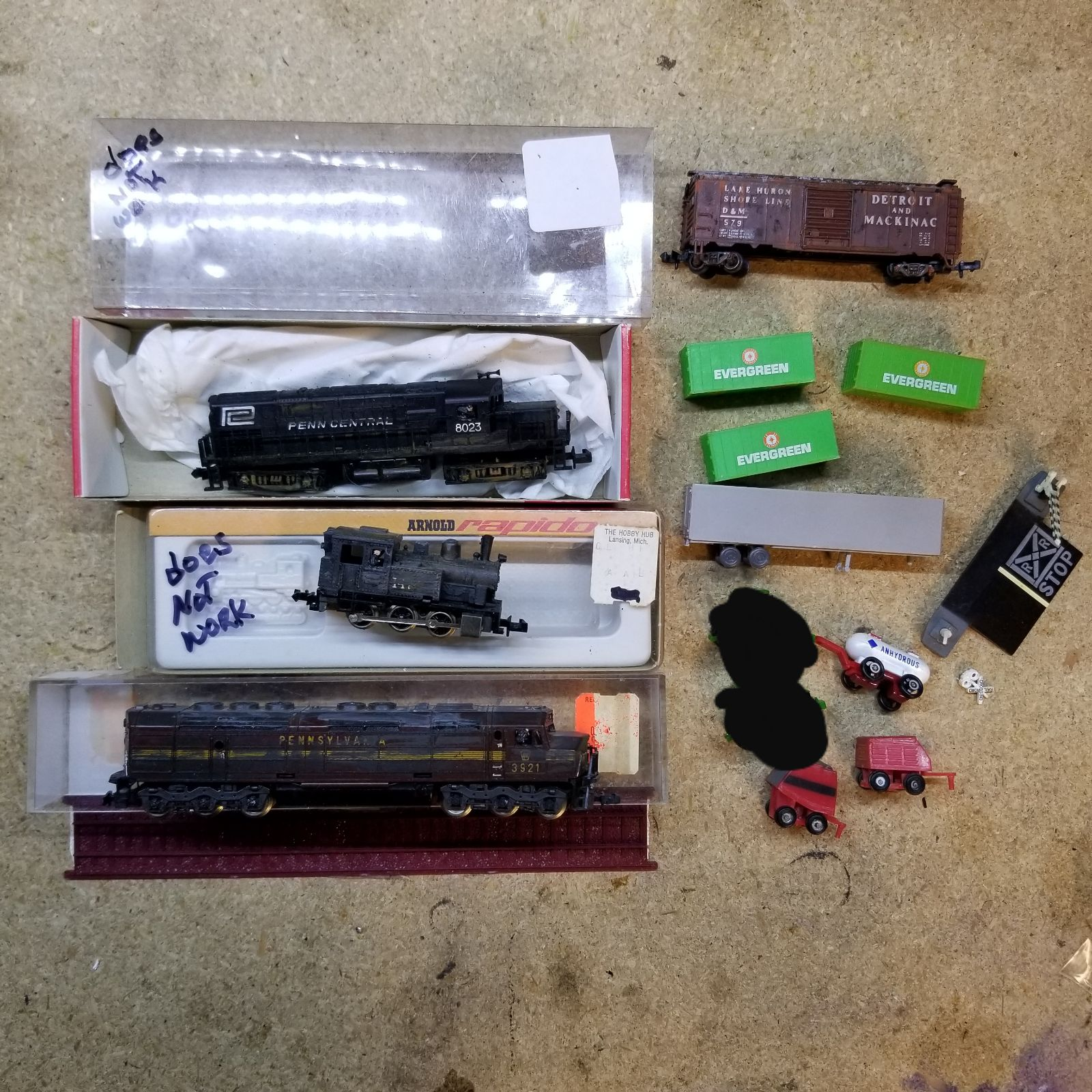 Misc broken n scale - trains - engines
