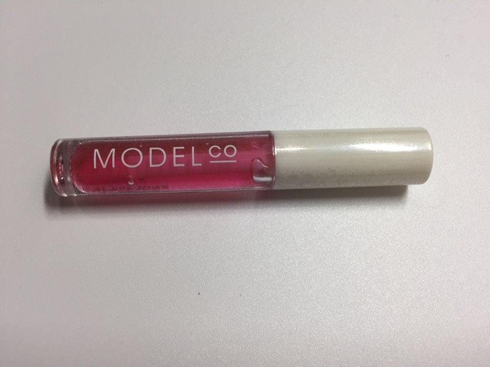 Model Co Lip Gloss/Oil New