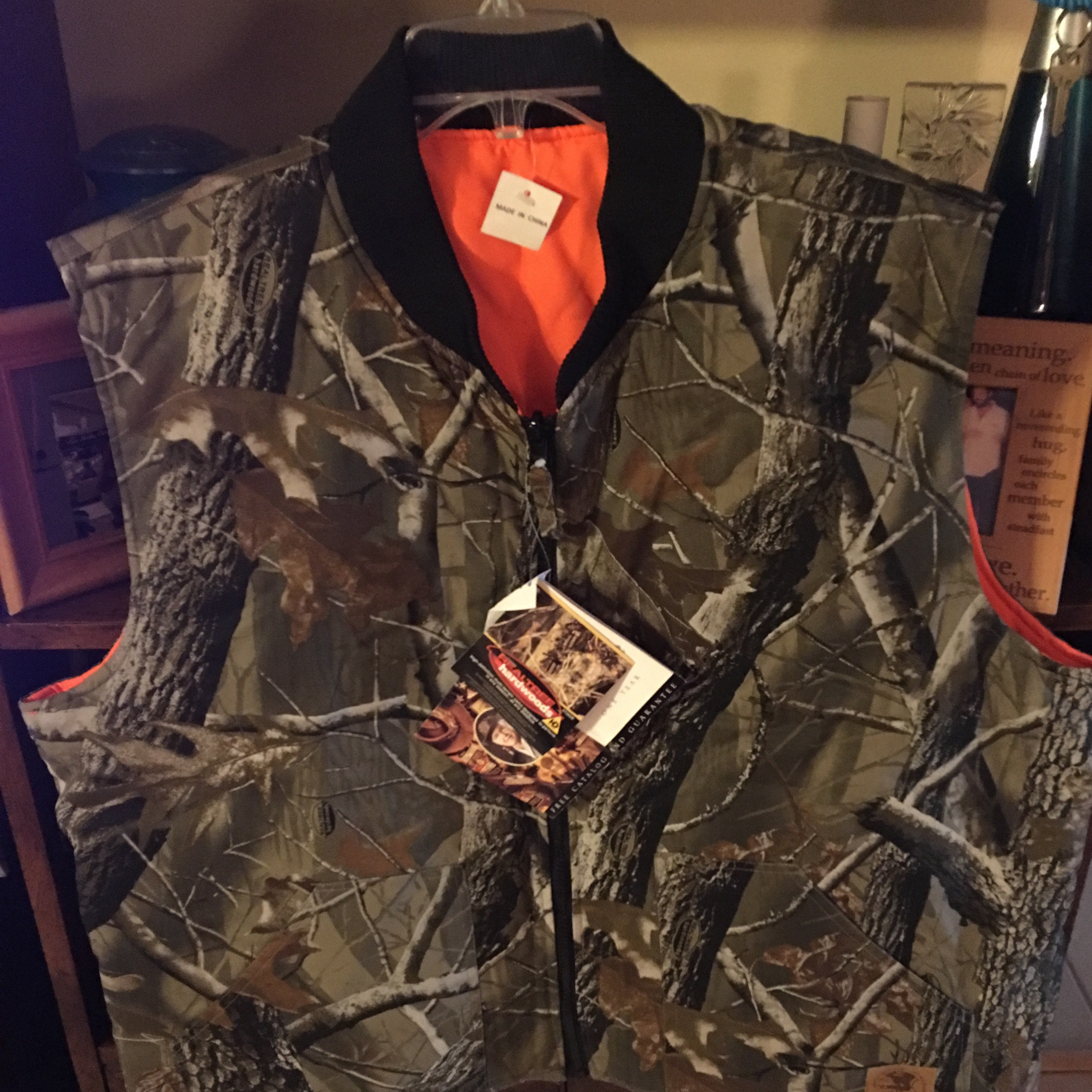 Realtree men's camouflage hunting vest