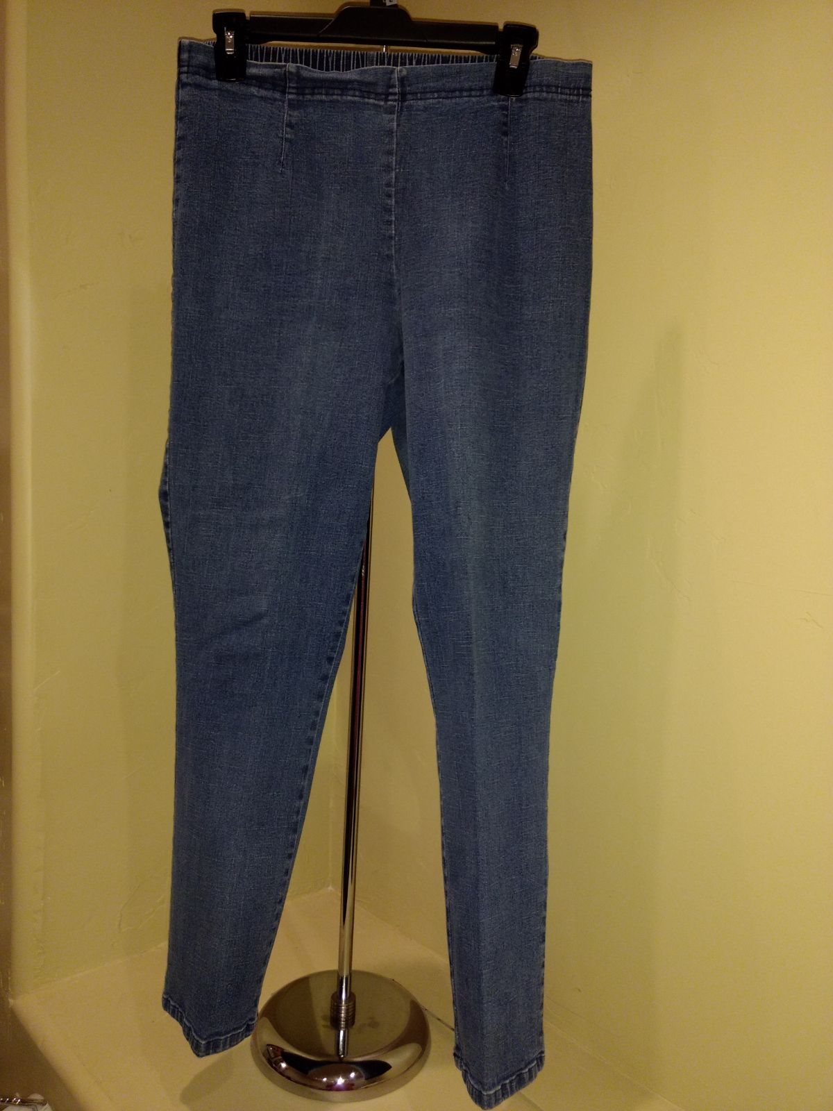 Lg. Stretch Pull-on Jeans