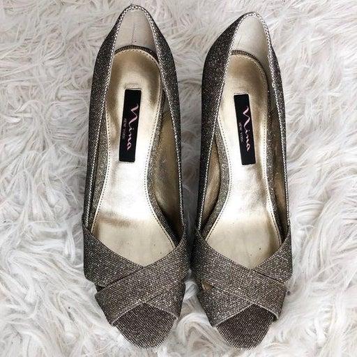 Nina New York pumps / heels gold