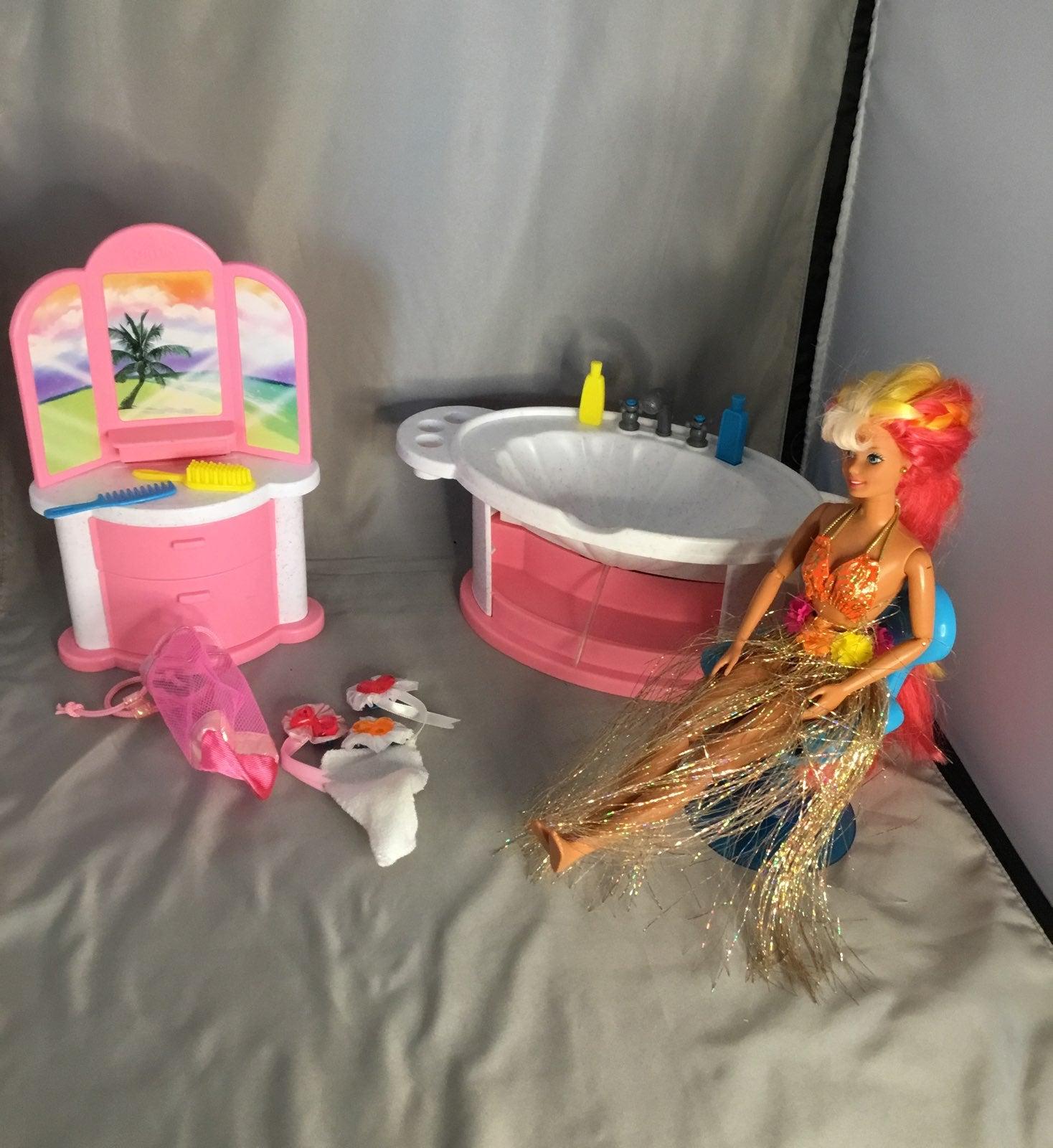 Hula Hair Barbie Shampoo and Style Salon