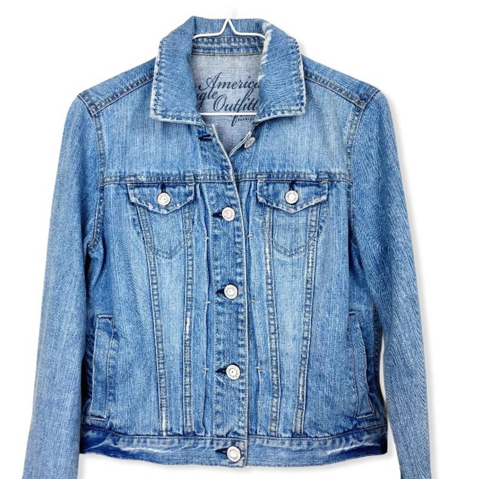 AEO Distressed Denim Jean Jacket Medium