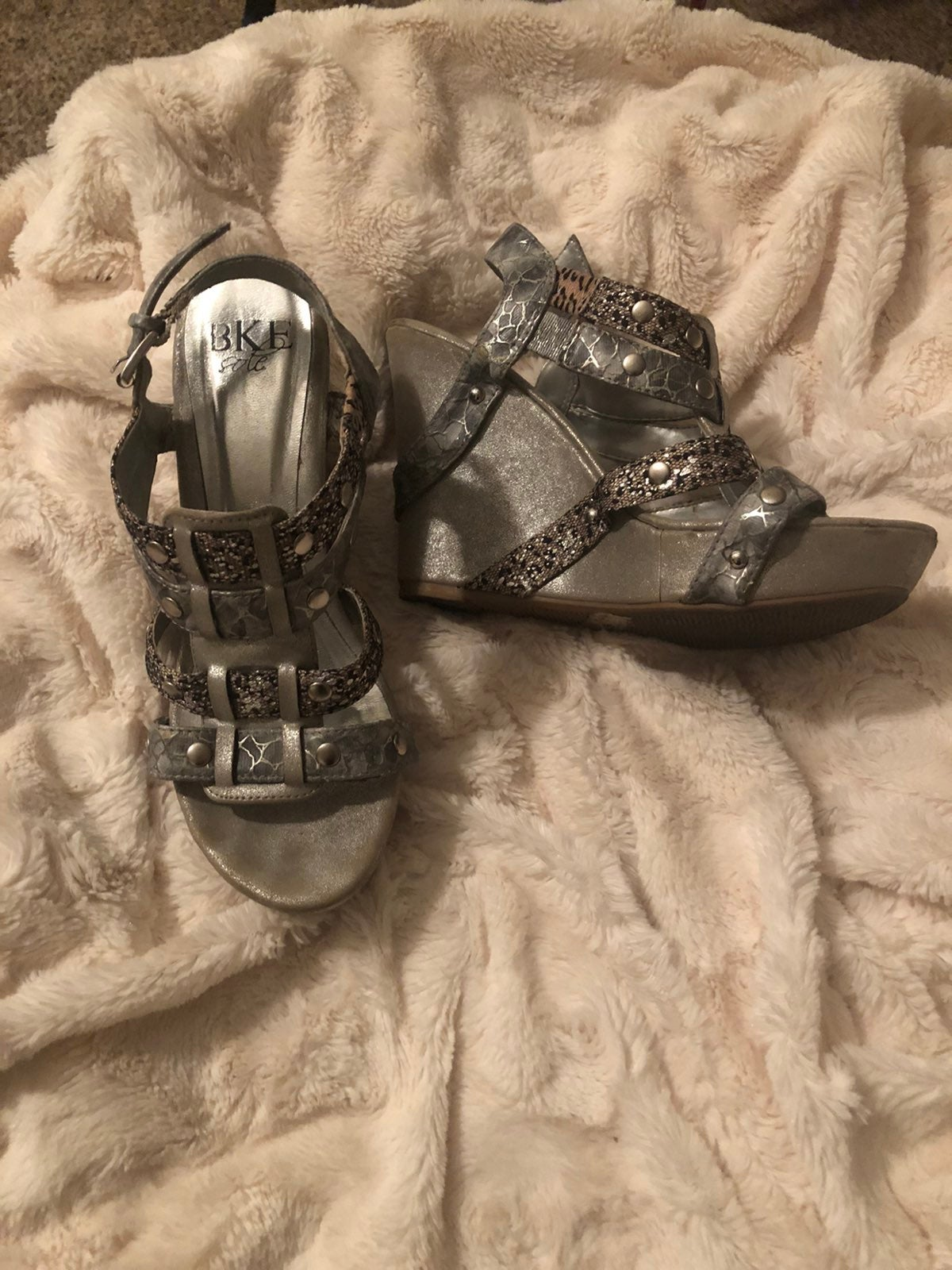 BKE wedge sandals. Silver/black sz 6