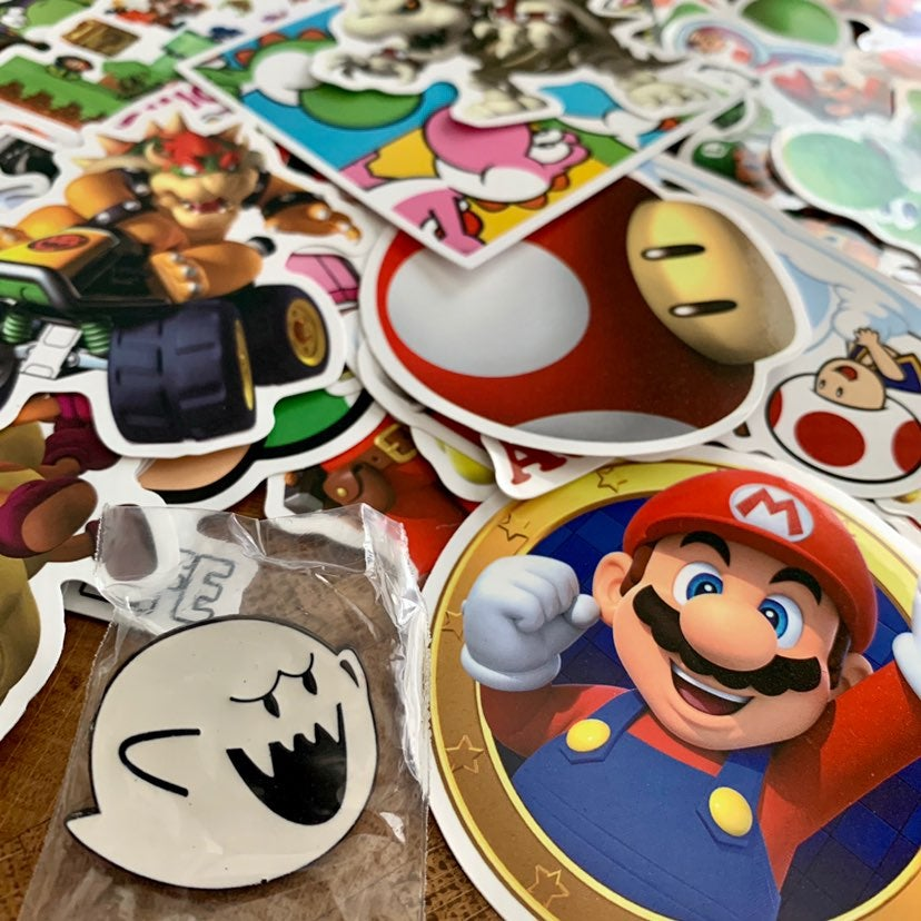 King Boo Pin & 20 Super Mario Stickers