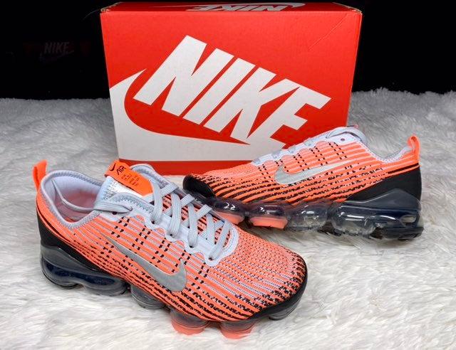 Nike Vapormax Flyknit 3 Mango 6.5 WMN 8