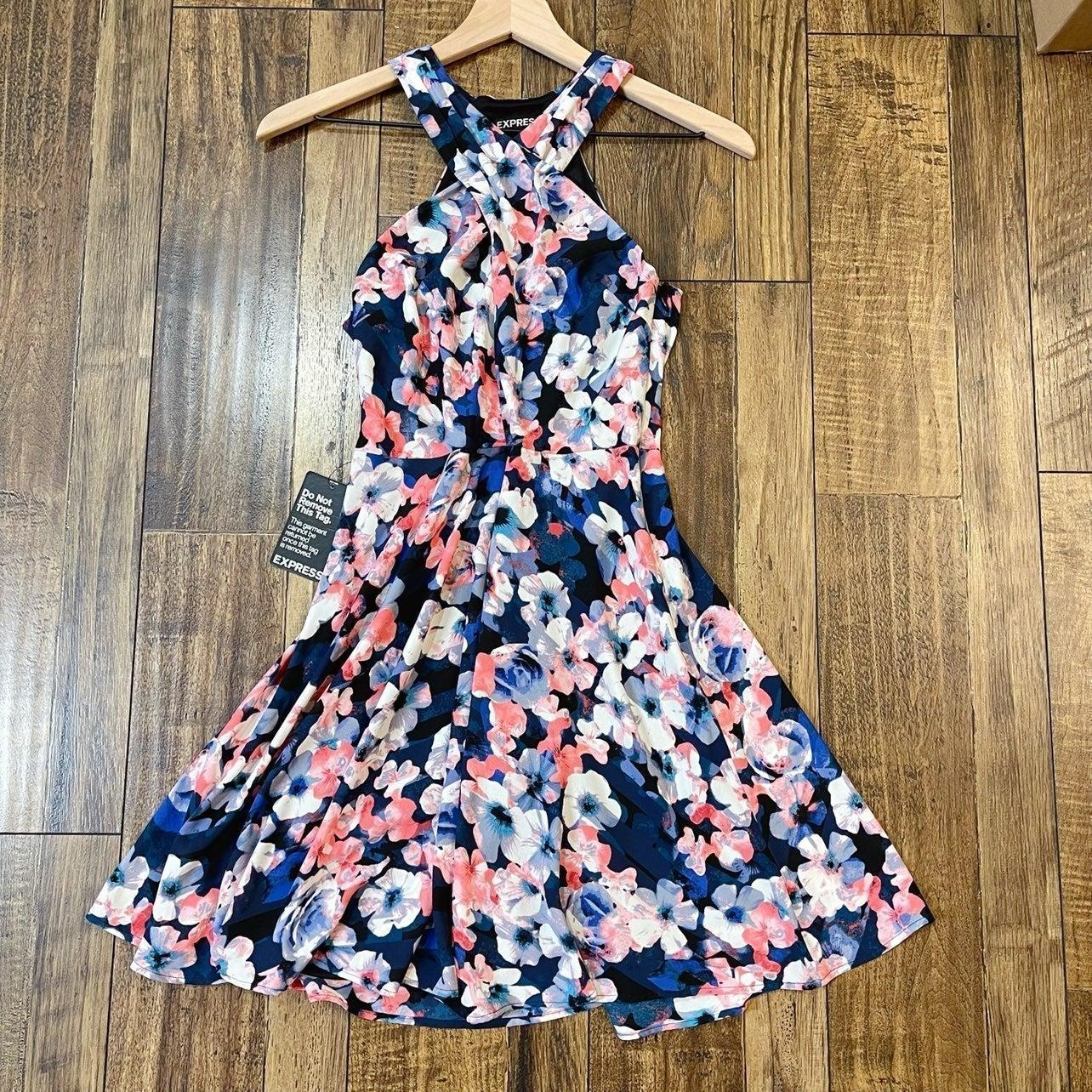 NWT Express Floral Dress eize 0