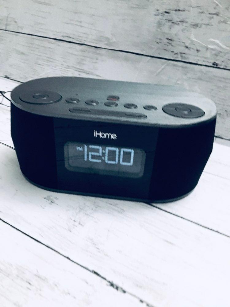 iHome alarm clock speaker radio