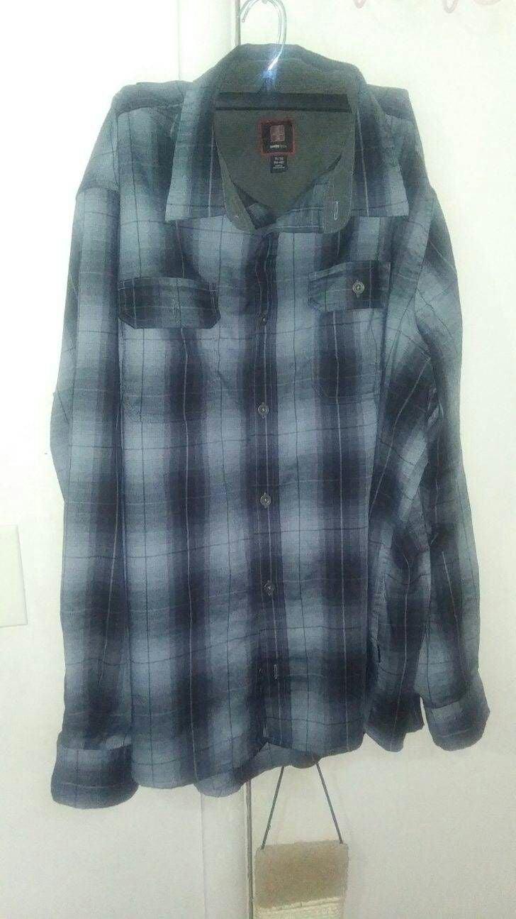 Men's SwissTech Button Up Shirt Size XL