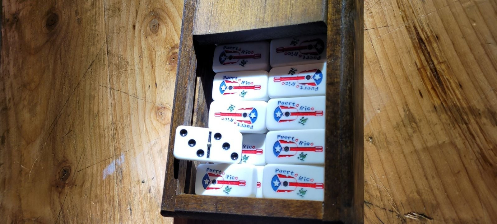 Woodwork Domino case/personized (request