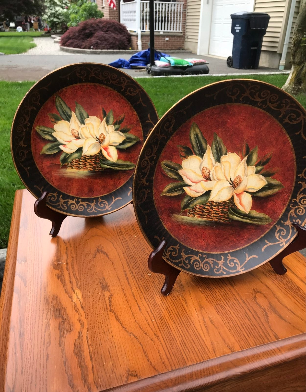 Decorative plates with stand
