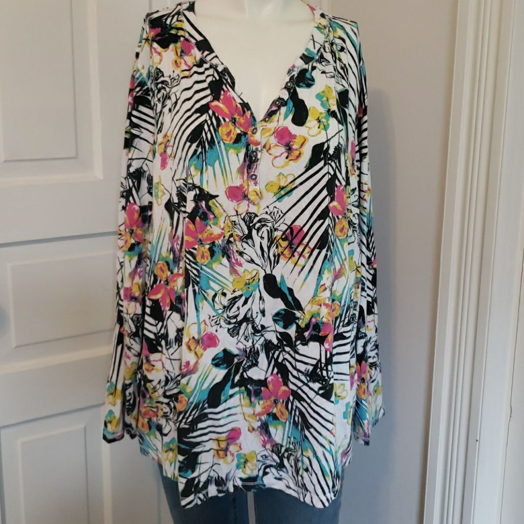 Relativity floral top size 3x